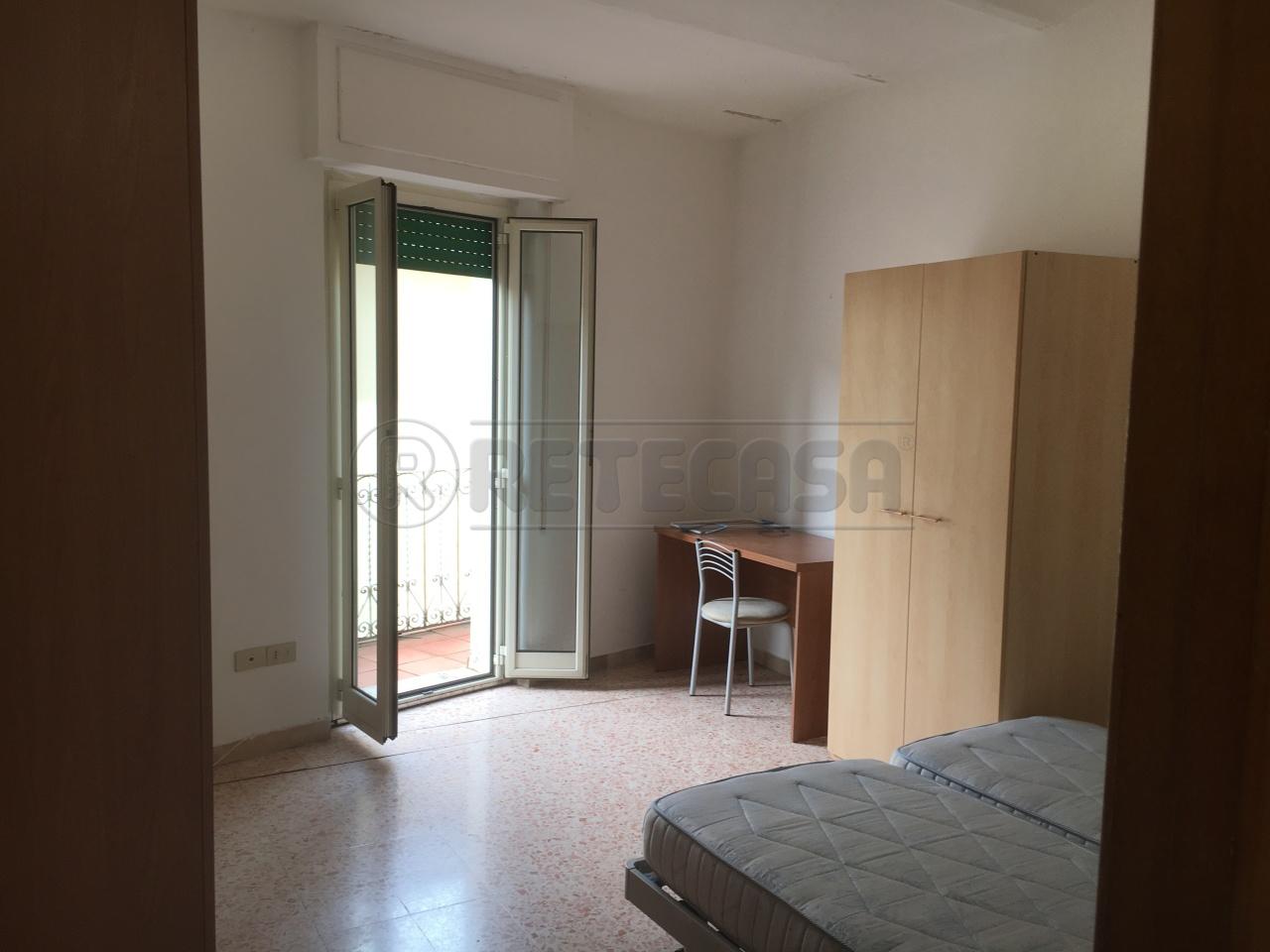 Appartamento in vendita a Perugia, 4 locali, prezzo € 85.000 | Cambio Casa.it