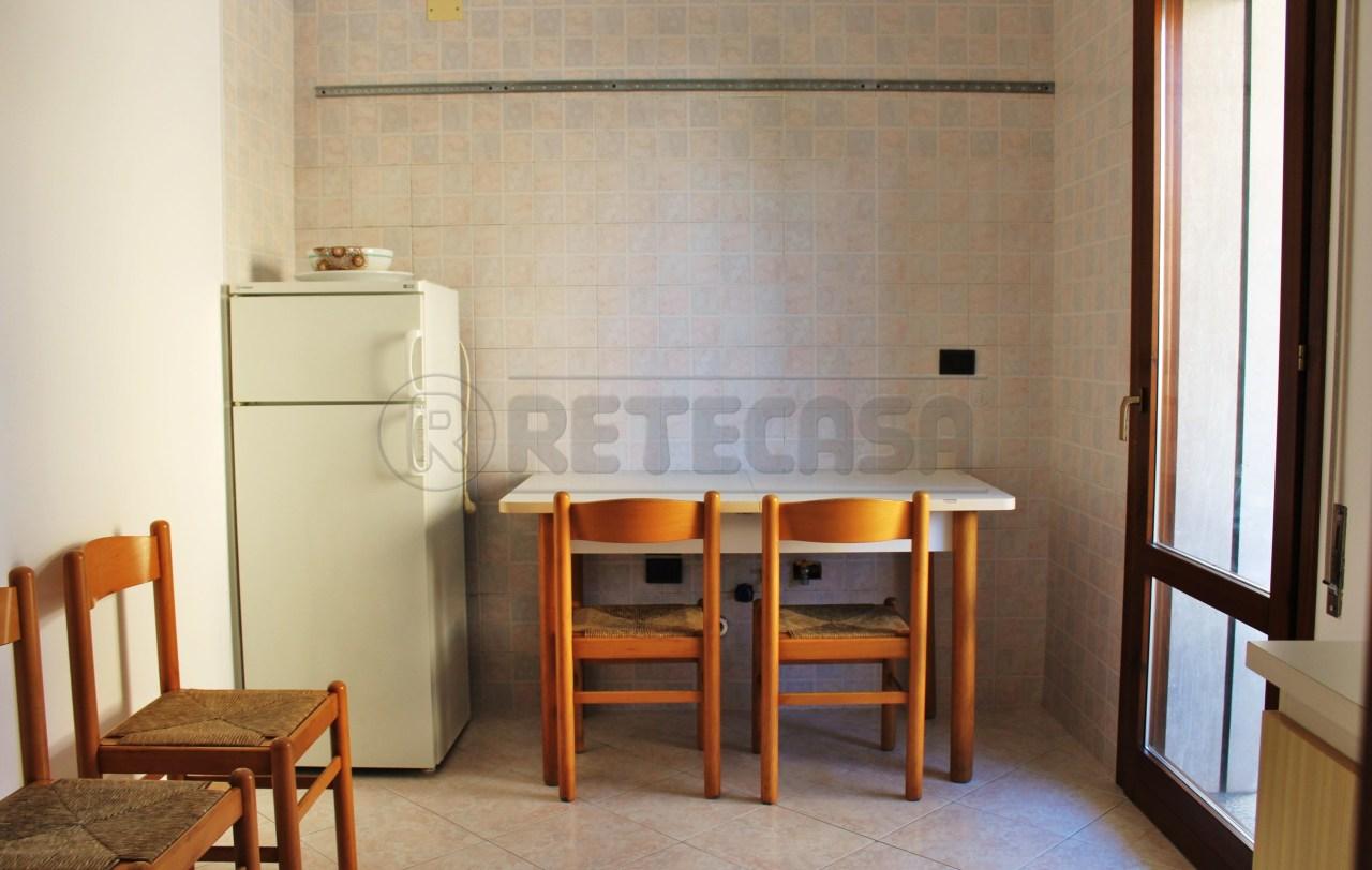 Appartamento in vendita a Padova, 5 locali, prezzo € 130.000 | Cambio Casa.it