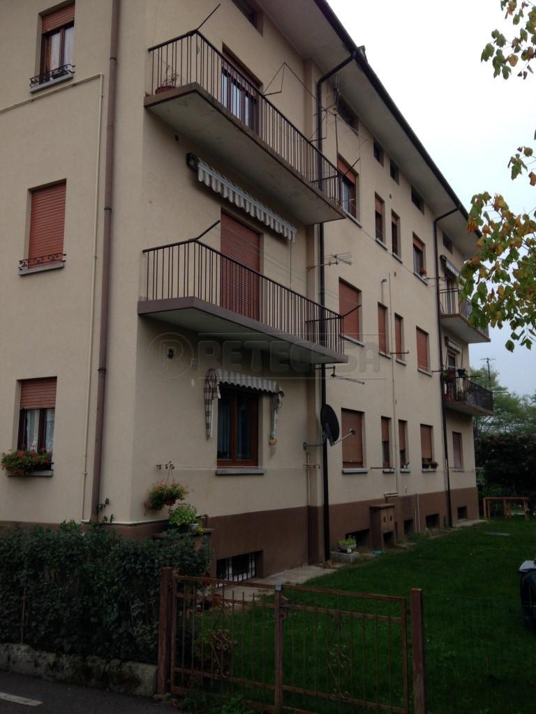 Bilocale Belluno Via Francesco Agosti 30 13