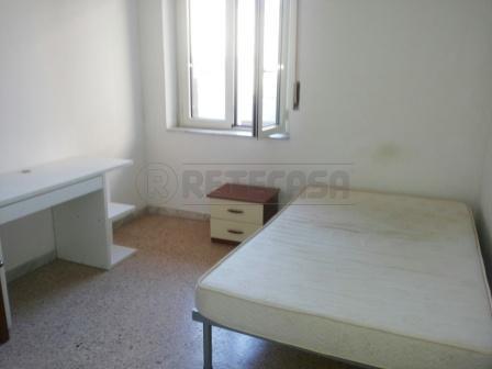 Appartamento in affitto a Pescara, 4 locali, prezzo € 200 | Cambio Casa.it