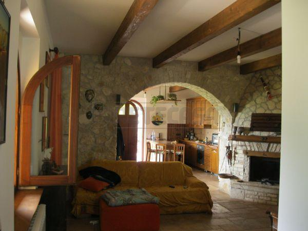 Villa a Schiera in vendita a Formicola, 9999 locali, Trattative riservate | Cambio Casa.it
