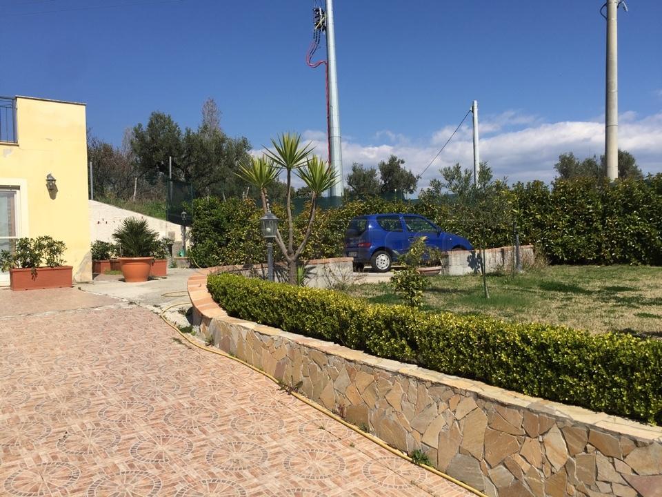 Villa unifamiliare in vendita - 220 mq