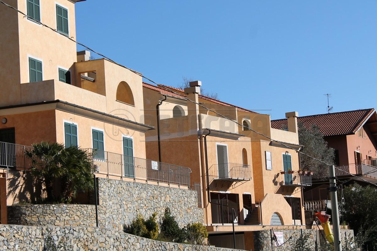 Foto 1 di Villetta a schiera cascina valloni, Balestrino