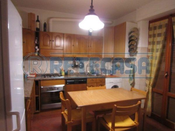 Appartamento in affitto a Castelnuovo Berardenga, 4 locali, prezzo € 800 | Cambio Casa.it