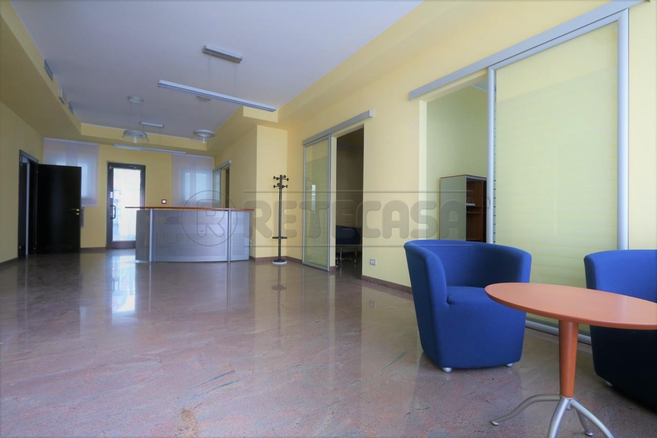 Negozio / Locale in affitto a Vicenza, 9999 locali, prezzo € 1.300 | Cambio Casa.it