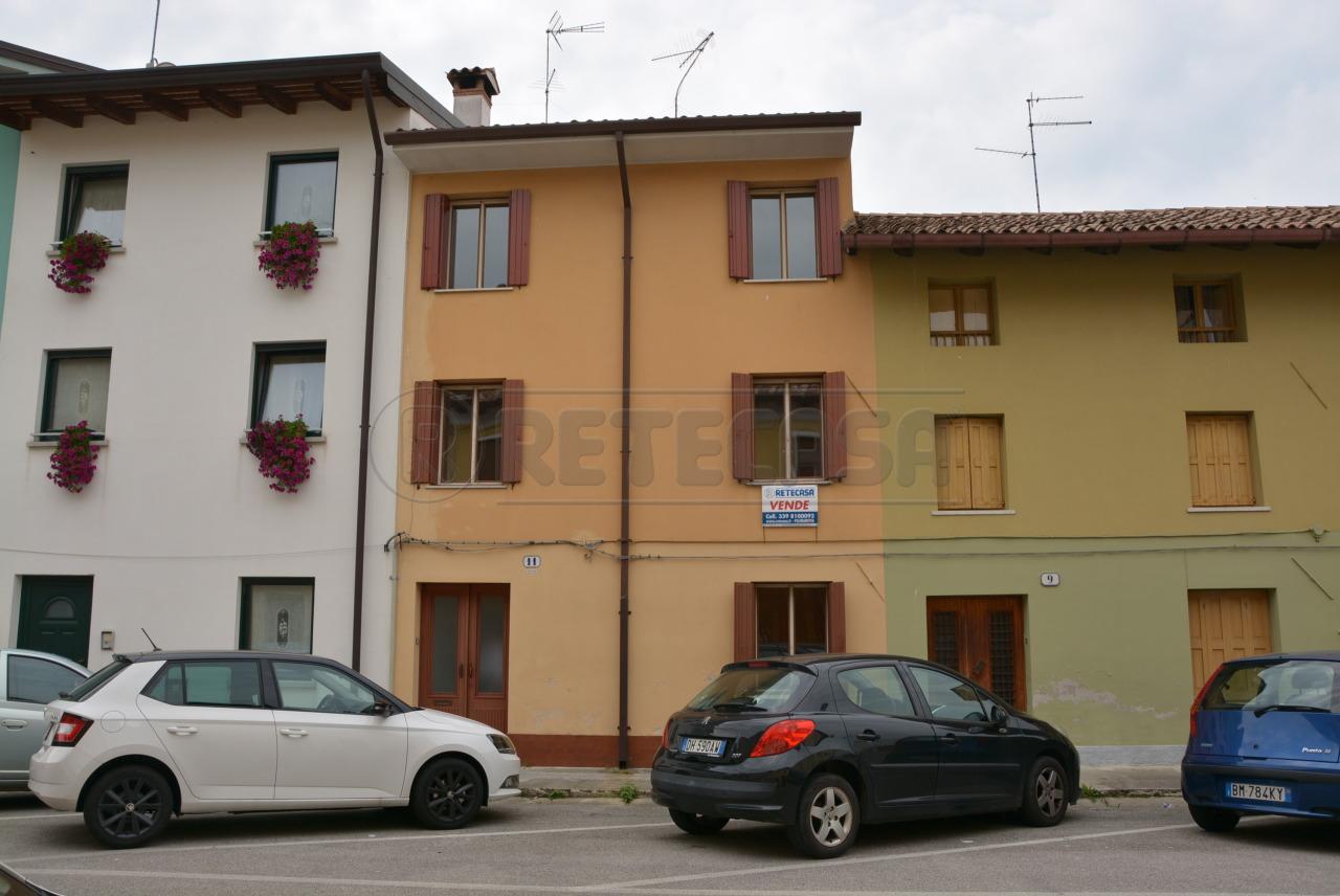 Soluzione Semindipendente in vendita a Palmanova, 8 locali, prezzo € 142.000 | Cambio Casa.it