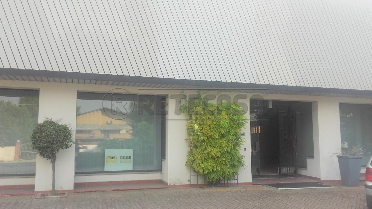 Negozio / Locale in affitto a Roncoferraro, 9999 locali, prezzo € 1.200 | Cambio Casa.it