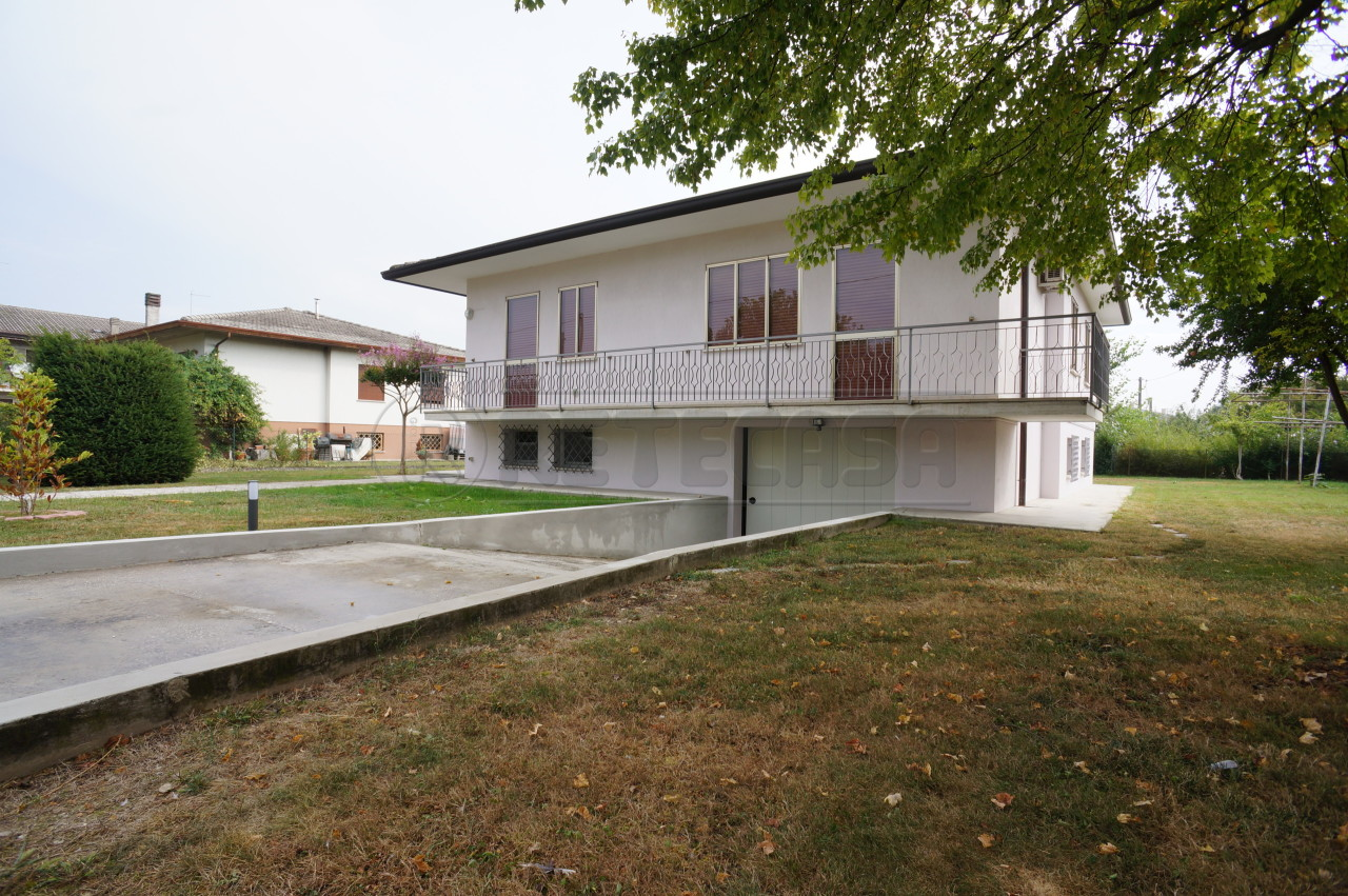 Soluzione Indipendente in vendita a Pozzoleone, 10 locali, prezzo € 238.000 | Cambio Casa.it