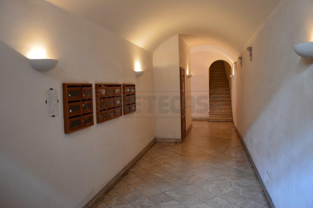 Bilocale Ancona Via Pizzecolli 7