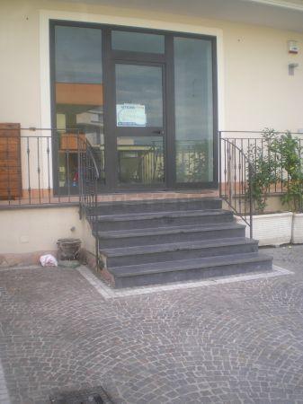 Negozio / Locale in affitto a Capodrise, 2 locali, prezzo € 800 | Cambio Casa.it