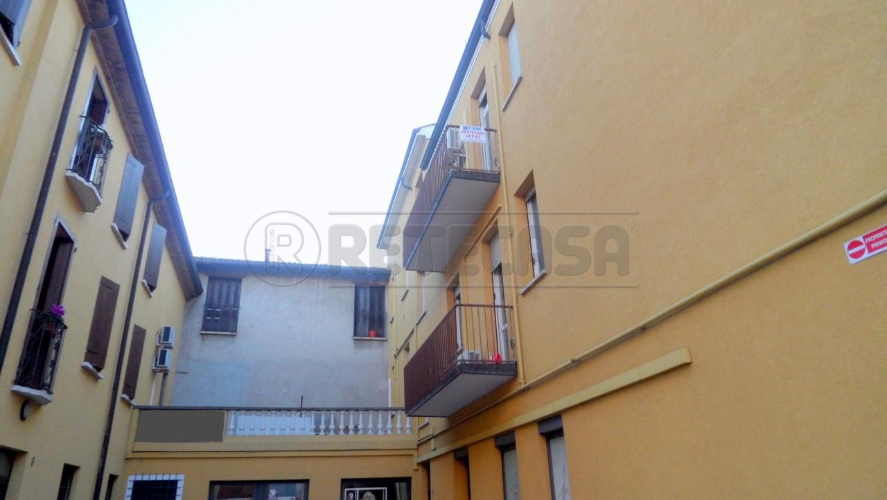 Ufficio / Studio in affitto a Mantova, 9999 locali, prezzo € 800 | Cambio Casa.it