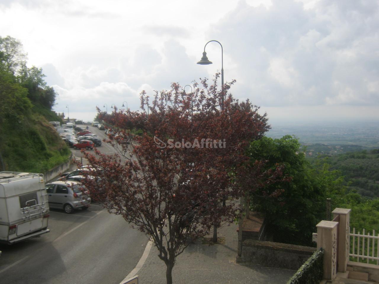 Bilocale Monte Compatri Via Cavour 74 13