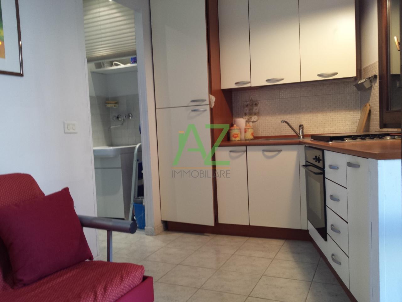 Appartamento in affitto a Acireale, 2 locali, prezzo € 400 | Cambio Casa.it