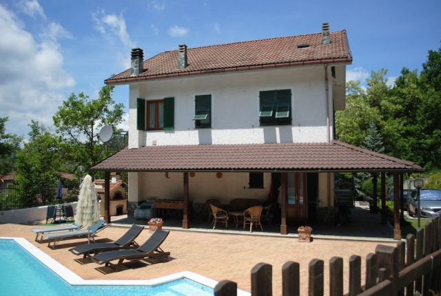 Casa e piscina.jpg