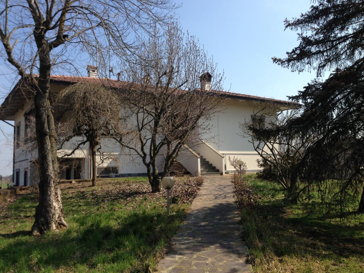 Villa in vendita a Fontevivo, 4 locali, prezzo € 290.000 | Cambio Casa.it