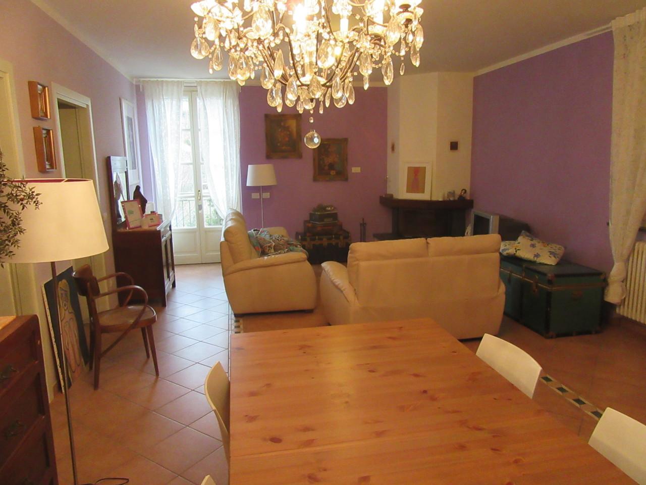 Appartamento in vendita a Varano de' Melegari, 4 locali, prezzo € 277.000 | Cambio Casa.it