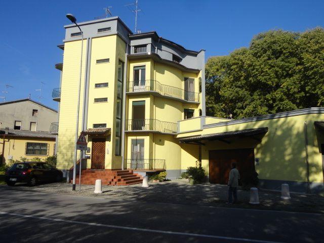 Appartamento in vendita a Busseto, 5 locali, prezzo € 55.000 | Cambio Casa.it