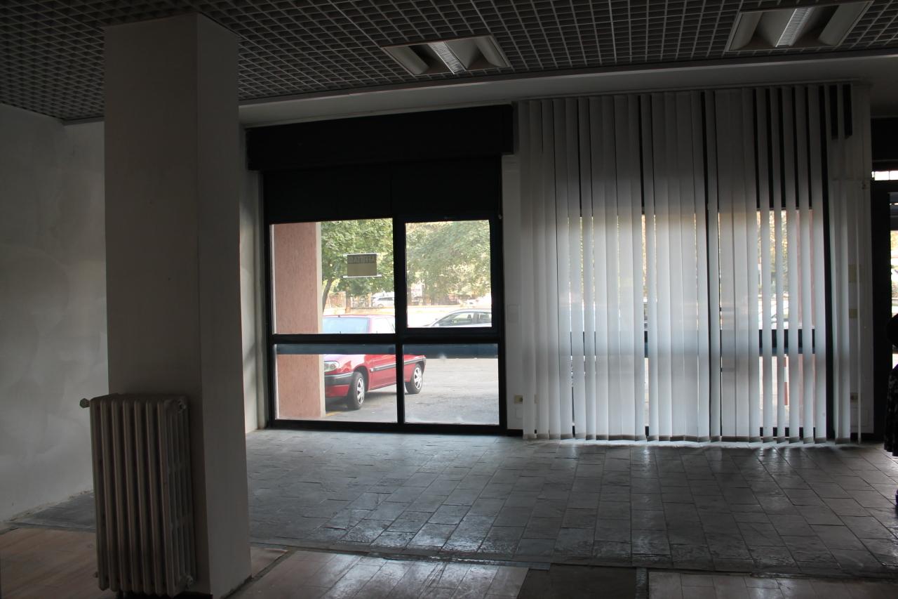 Negozio / Locale in affitto a Parma, 5 locali, prezzo € 1.800 | Cambio Casa.it