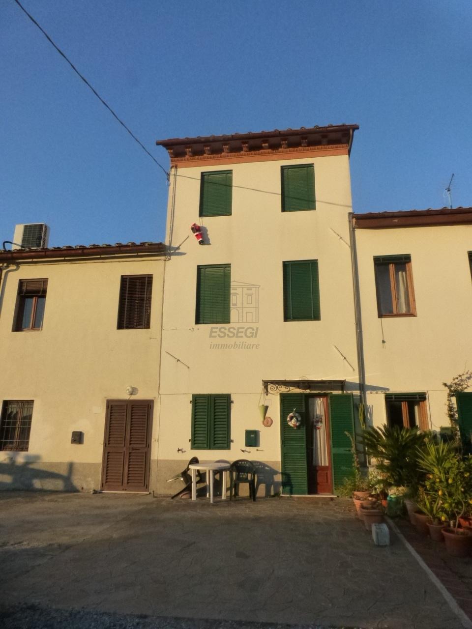 Appartamento in affitto a Capannori, 6 locali, prezzo € 650 | Cambio Casa.it