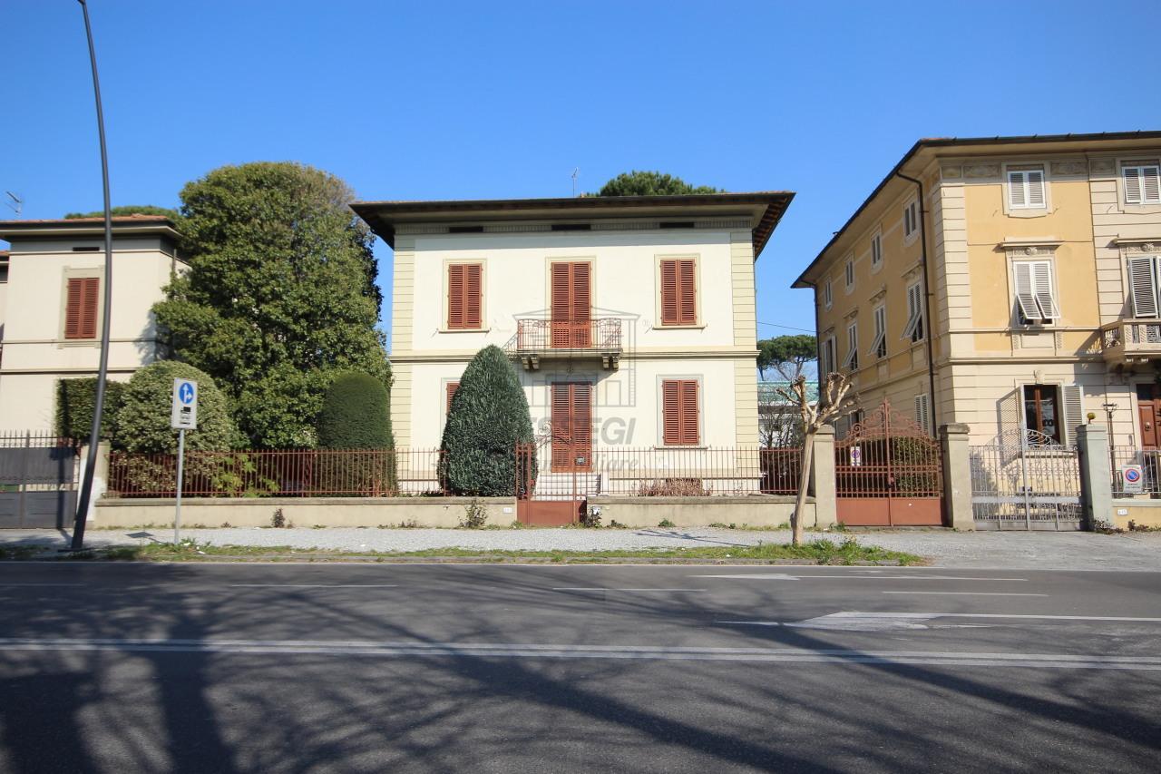 Villa antica Lucca Circonvallazione IA00986-1 img 2