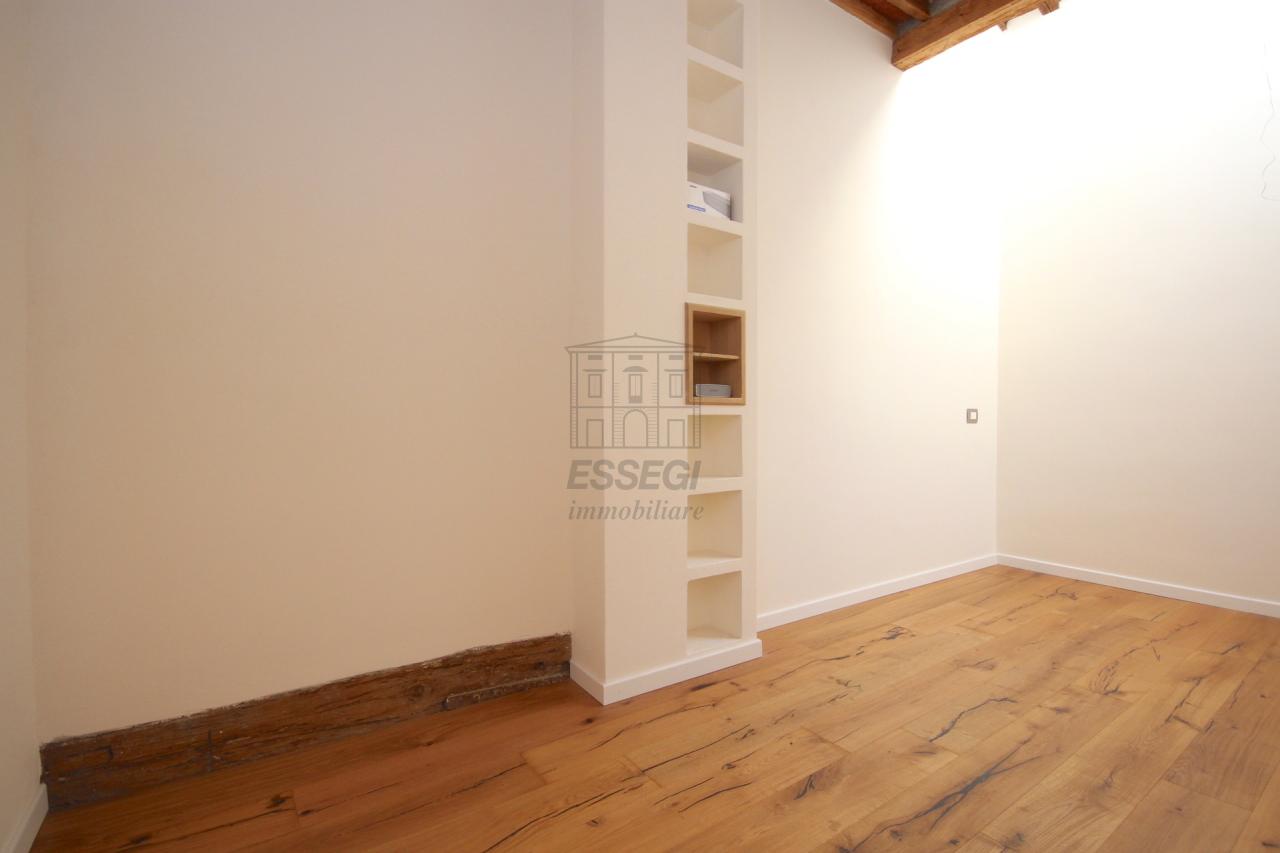 Appartamento Lucca Centro storico IA01386A img 12