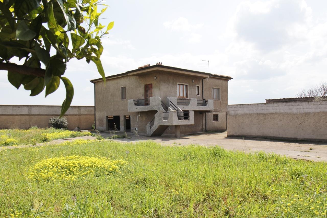 Villa in vendita a Uta, 4 locali, prezzo € 165.000 | Cambio Casa.it