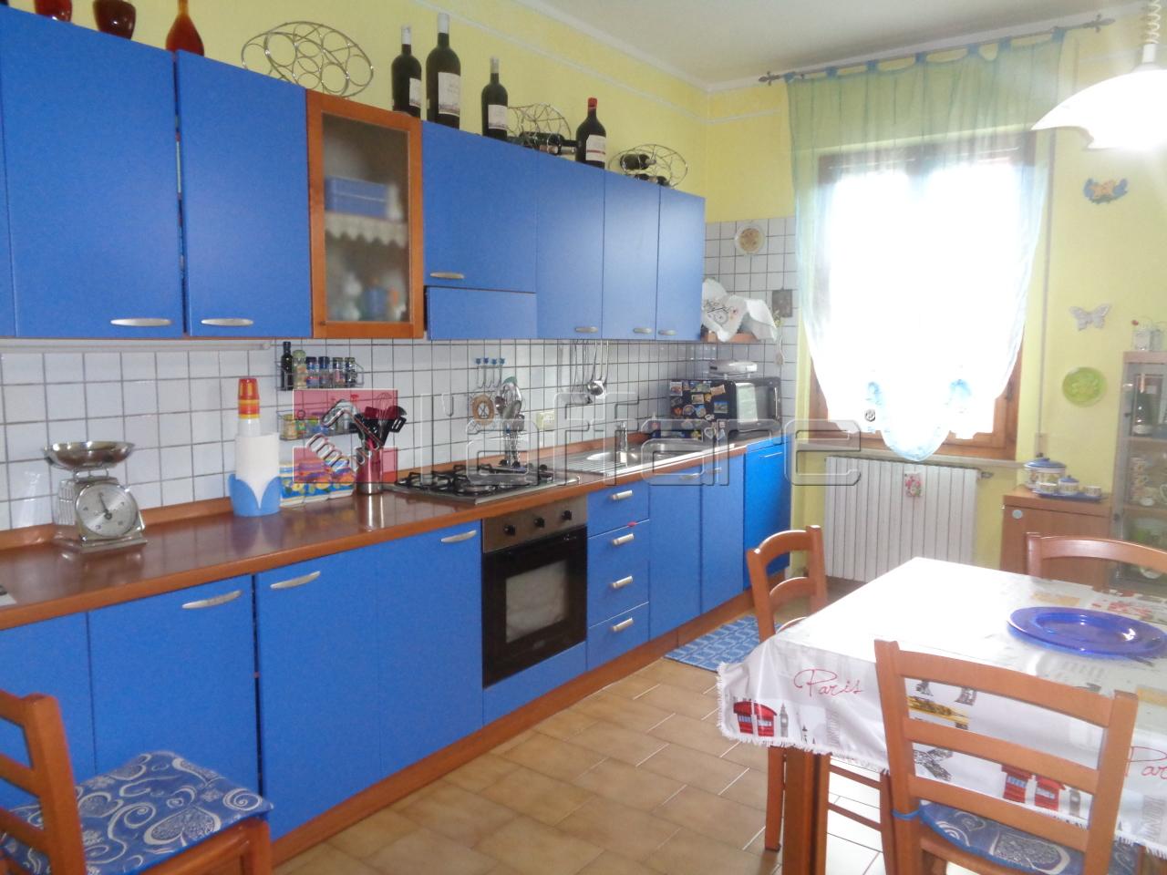 Appartamento in vendita a Terricciola, 4 locali, prezzo € 105.000 | CambioCasa.it