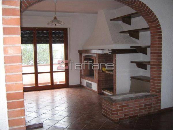 Appartamento in vendita a Crespina Lorenzana, 5 locali, prezzo € 320.000 | Cambio Casa.it