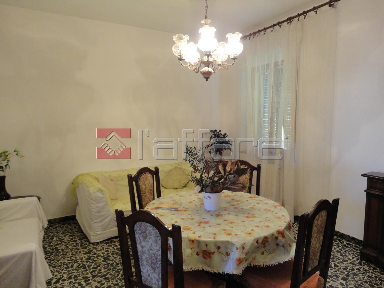 Appartamento in affitto a Capannoli, 4 locali, prezzo € 500 | CambioCasa.it