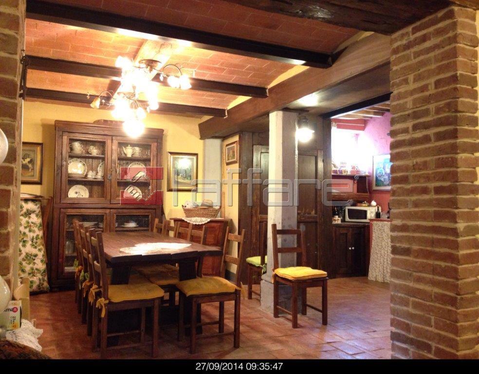 Rustico / Casale in vendita a Terricciola, 5 locali, prezzo € 320.000 | CambioCasa.it