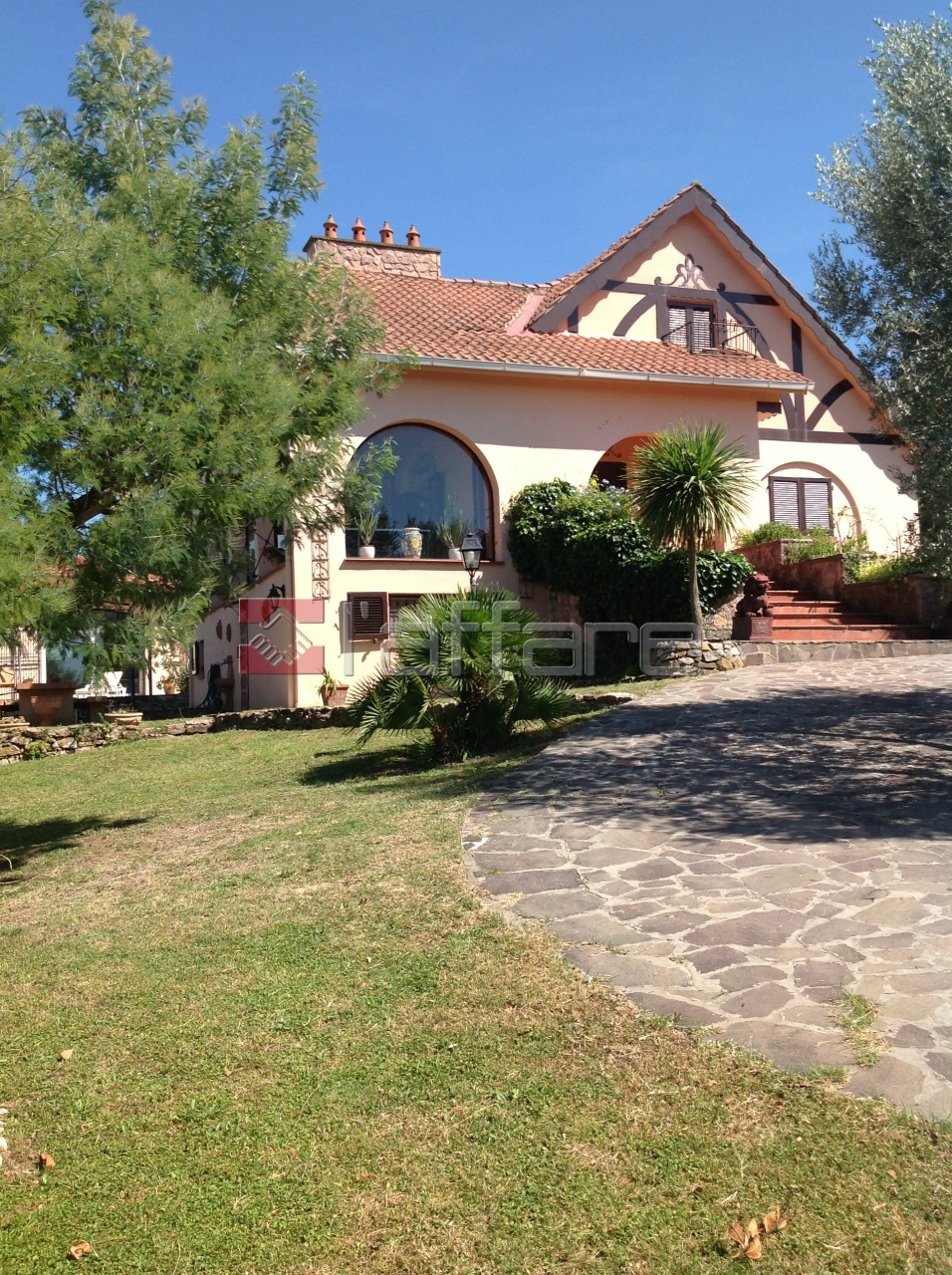 Villa in vendita a Montescudaio, 9 locali, prezzo € 830.000 | Cambio Casa.it