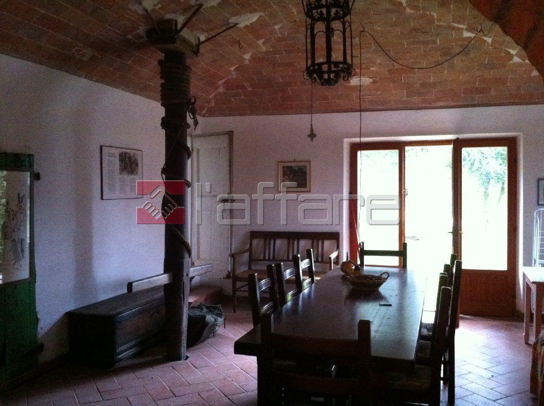 Rustico / Casale in vendita a Chianni, 7 locali, prezzo € 270.000 | Cambio Casa.it
