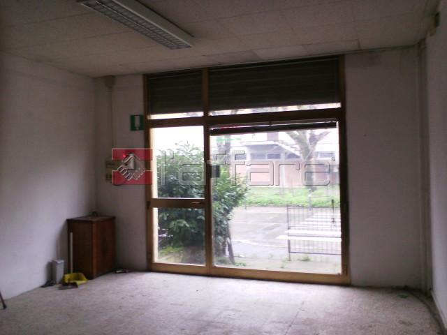 Negozio / Locale in vendita a Ponsacco, 2 locali, prezzo € 45.000 | Cambio Casa.it