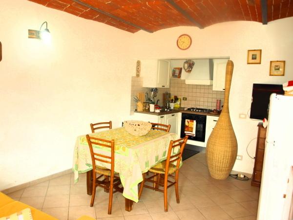 Appartamento in vendita a sarzana 95000 euro 2 locali 45 for Arredo bagno sarzana