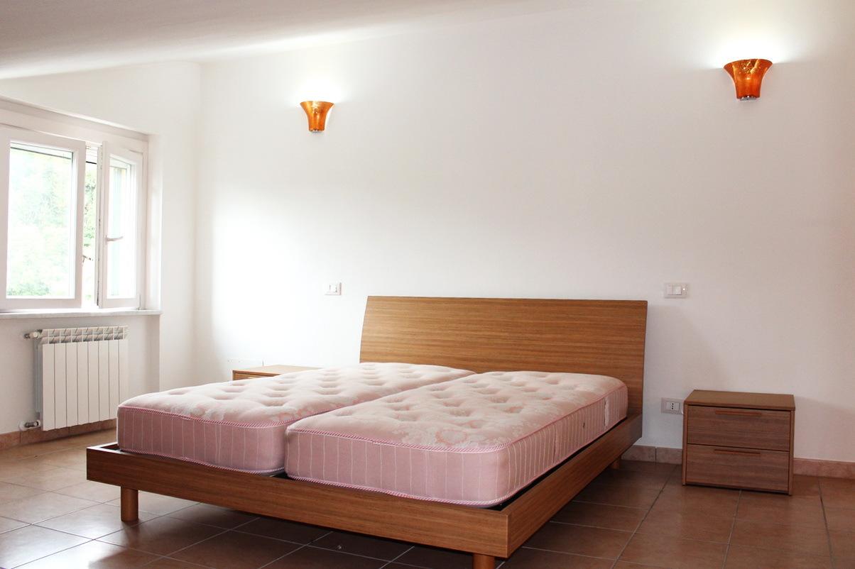 vendita appartamento follo   130000 euro  4 locali  65 mq