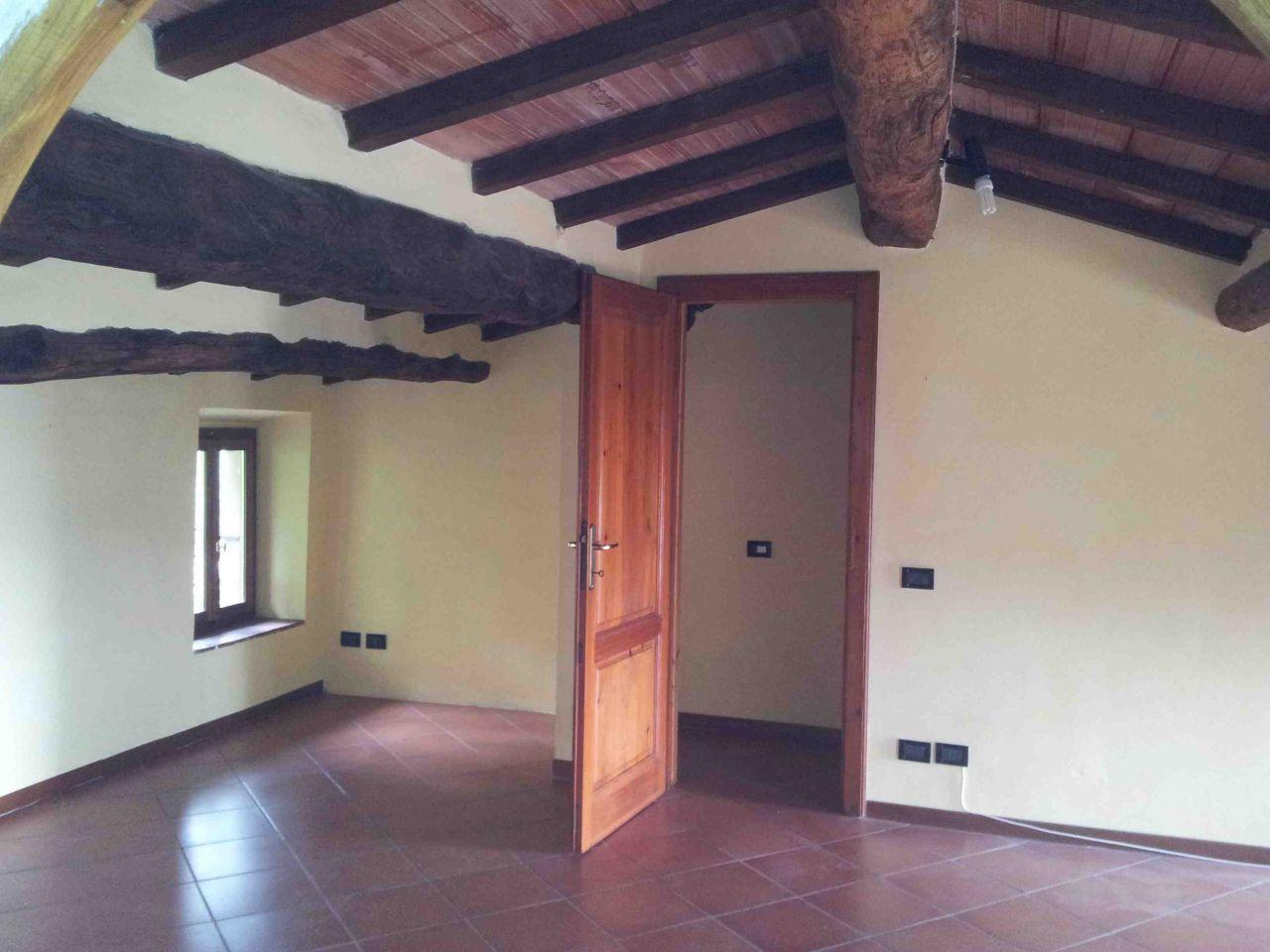 Appartamento in vendita a Uzzano, 6 locali, prezzo € 180.000 | Cambio Casa.it