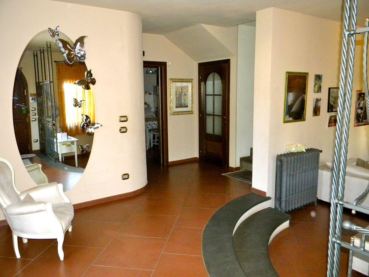 Soluzione Indipendente in vendita a Pontedera, 6 locali, prezzo € 550.000   Cambio Casa.it