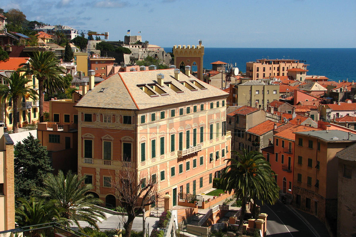 Appartamento in vendita a Finale Ligure, 3 locali, prezzo € 800.000 | Cambio Casa.it