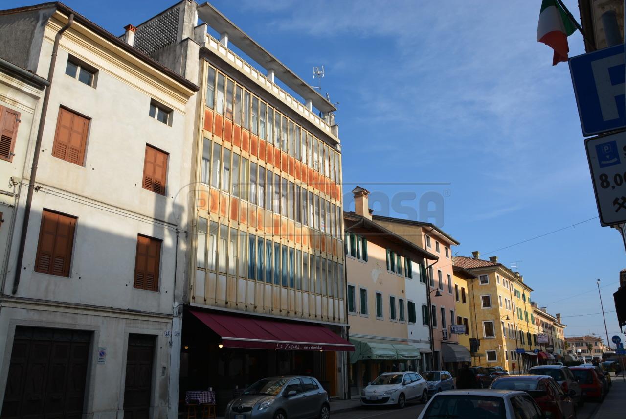 Appartamento in vendita a Palmanova, 5 locali, prezzo € 109.000 | Cambio Casa.it