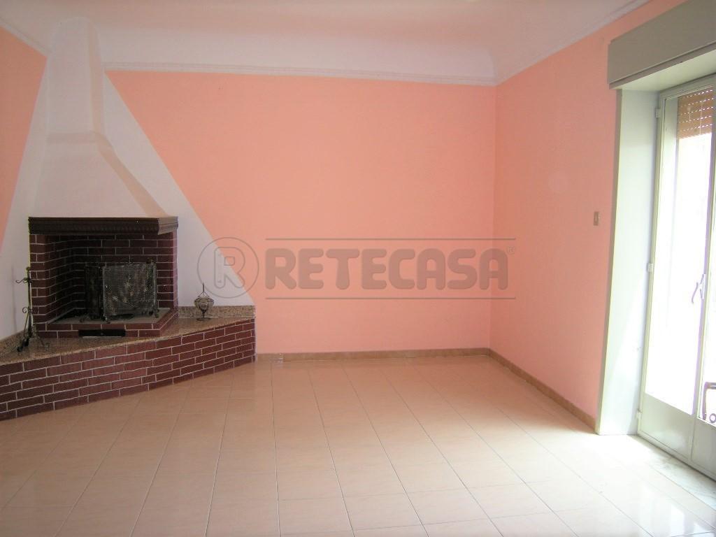 Appartamento in vendita a Caltanissetta, 4 locali, prezzo € 69.000 | Cambio Casa.it