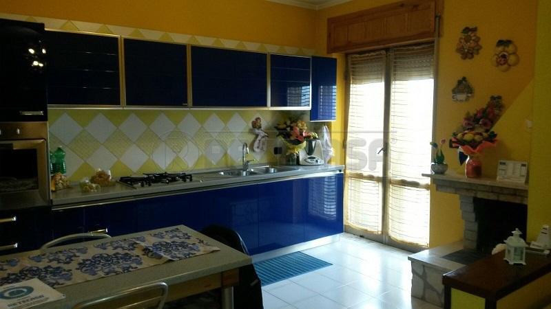 Appartamento in vendita a Montoro, 3 locali, prezzo € 135.000 | Cambio Casa.it