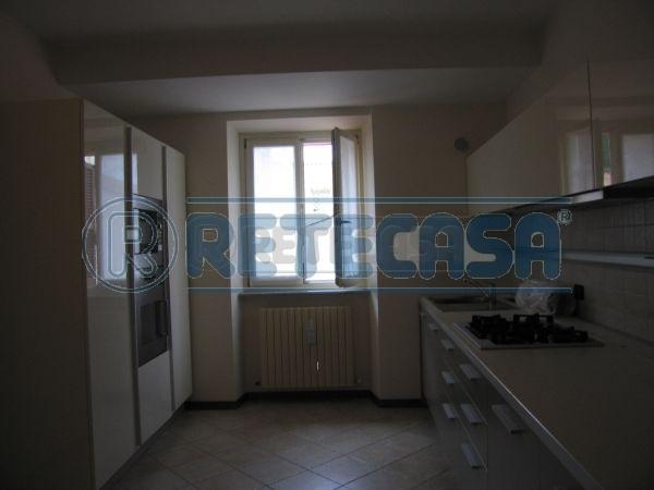 Appartamento in affitto a Osimo, 5 locali, prezzo € 800 | Cambio Casa.it