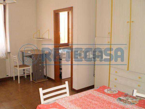 Appartamento in affitto a Ancona, 2 locali, prezzo € 330 | Cambio Casa.it