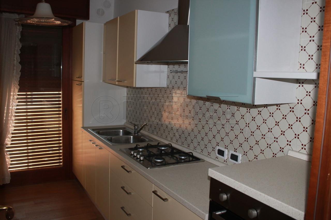 Appartamento in affitto a Vicenza, 4 locali, prezzo € 650 | Cambio Casa.it
