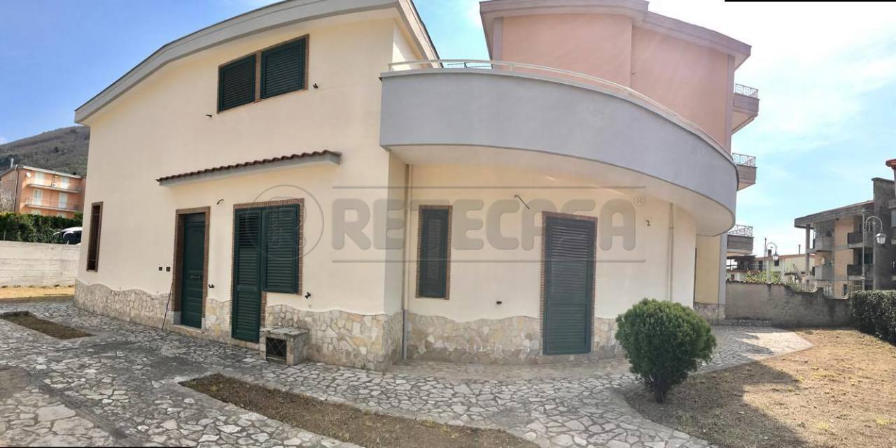 Villa in vendita a Bracigliano, 7 locali, prezzo € 430.000   Cambio Casa.it
