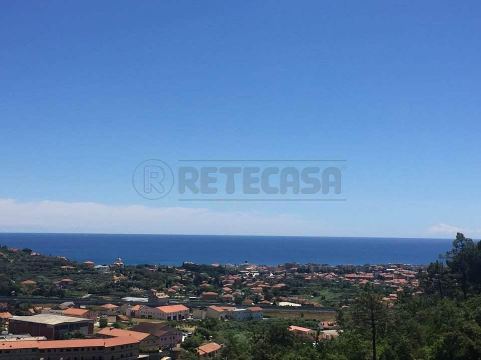 Appartamento in vendita a Loano, 3 locali, prezzo € 229.000 | Cambio Casa.it
