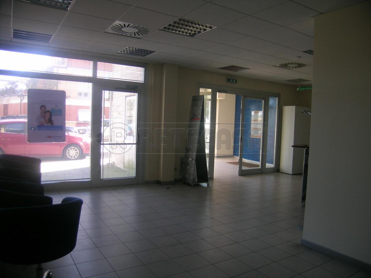 Ufficio / Studio in affitto a Ancona, 16 locali, prezzo € 2.500 | Cambio Casa.it