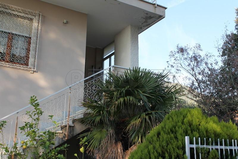 Appartamento in vendita a Loano, 3 locali, prezzo € 300.000   Cambio Casa.it