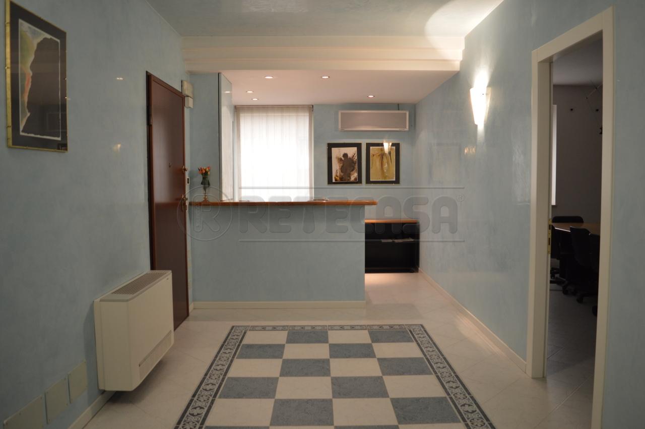 Ufficio / Studio in affitto a Montecchio Maggiore, 9999 locali, prezzo € 650 | Cambio Casa.it