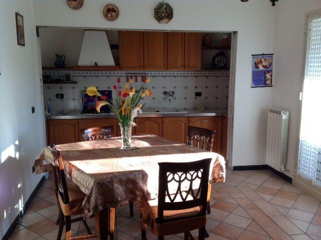 Appartamento in vendita a Casarza Ligure, 4 locali, prezzo € 250.000 | CambioCasa.it